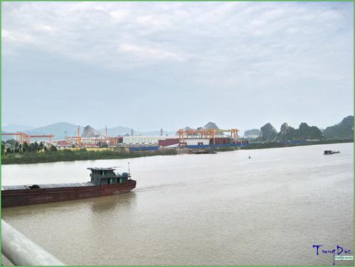 HCGT- Thông báo hạn chế giao thông đường thủy nội địa phục vụ thi công thay thế dây chống sét TK70 cho khoản néo 20-30 đường dây 220kV Trạng Bạch - Vật Cách tại khu vực km 21+700 sông Đá Bạch