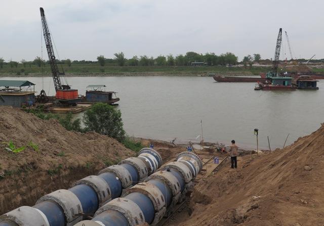 Hạn chế GT- Kéo đường ống và đánh chìm (km49+500 s.Đuống)