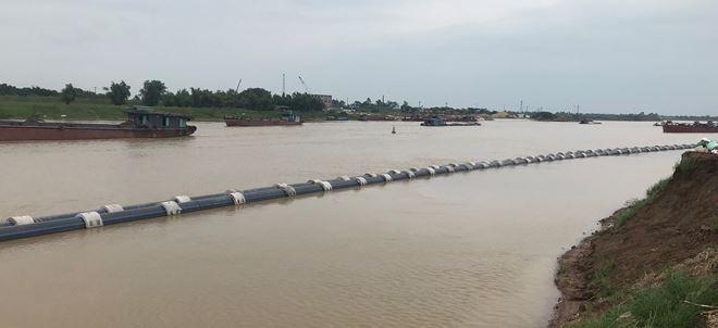 Hạn chế GT -  Kéo đường ống qua sông và đánh chìm tại khu vực Km49+500, sông Đuống